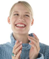 ALT: Startseite des ZF Gäuboden e.V. - Lächelnde Frau mit weißen Zähnen